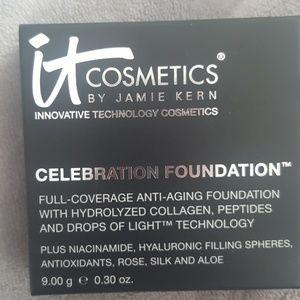 NEW It Cosmetics Celebration Foundation Med Beige